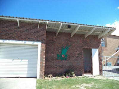 Complex For Sale in Bluewater Bay, Port Elizabeth